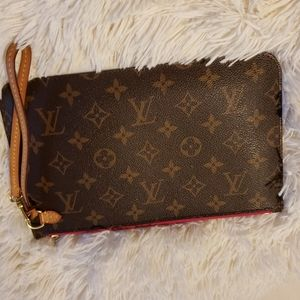 Authentic Louis Vuitton MM Clutch